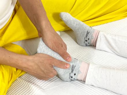Shiatsu für Kinder Fuß behandeln um zu beruhigen