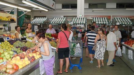Gemüsestände auf dem Markt von Portimão