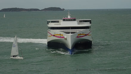 Condor Liberation performing a U-Turn in Front of Saint-Malo's pier.