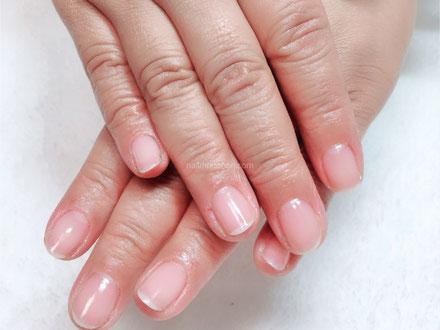 爪と手のお手入れで綺麗な手元を維持する