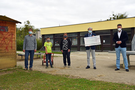 von links: Herr Kremer, Philipp Haug, Frau Haug, Herr Küchlin, Herr Hahn