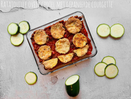Ratatouille ovenschotel met gepaneerde courgette