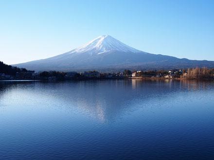 河口湖 ほうとう 寿屋 新年富士山