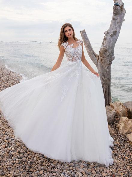 Strandhochzeit Mariella Mode für Braut und Bräutigam