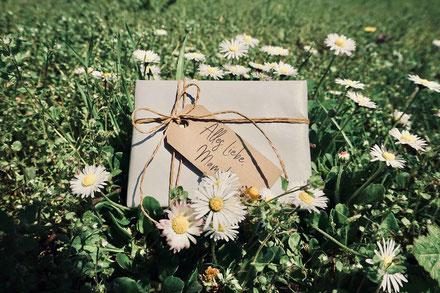 Muttertag: Geschenkverpackungen als Option in Online Shop