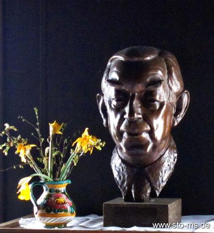 Büste von 1973 - Bildhauer Heinz Spilker