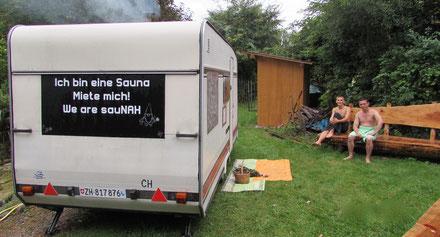 Sauna im Wohnwagen. am See. egalwo.sauna. saunawagen.mobile sauna.wearesaunah.wearesauna.wohnwagensauna.finnischsesauna.holzofen.holzofensauna.erholung.mietsauna.mieten.rentasauna