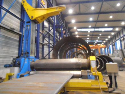 Zwischen- und Endkontrolle von Stahlbaukomponenten beim Unterlieferanten (Sub-Supplier).