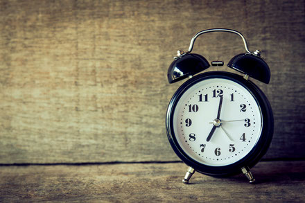Wecker Alarm Clock Morgenroutine Aufstehen