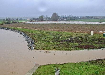 Vue sur Montigny-sous-Marle depuis le barrage, cet après-midi.
