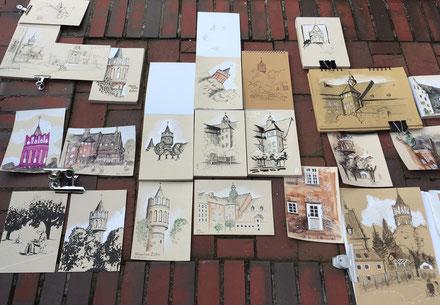 """Zeichnungen der Teilnehmer am Workshop """"Zeichnen auf getöntem Papier"""" mit JP Schwarz"""