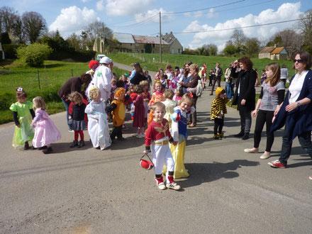 Le défilé de Carnaval dans les rues d'Avenay