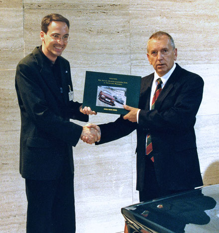Mit Bob Dover auf der IAA 1999. Foto: David Offord/Ford