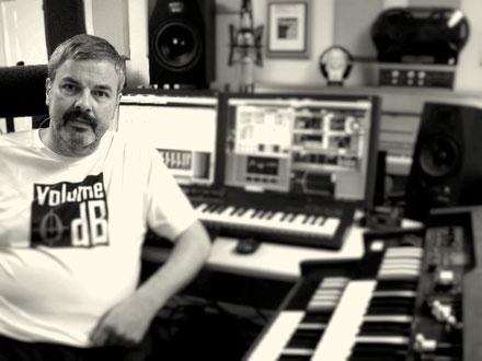 Alexander Stein - Volume0dB - Studio