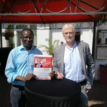 v.L. Dr. Karamba Diaby mit Dr. Herbert Wollmann, SPD