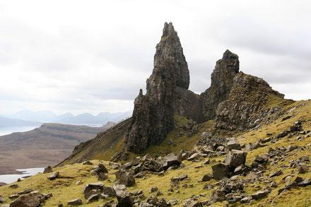 """Flesformation """"Old Man of Storr"""" mit Ausblick auf die Isle of Skye"""