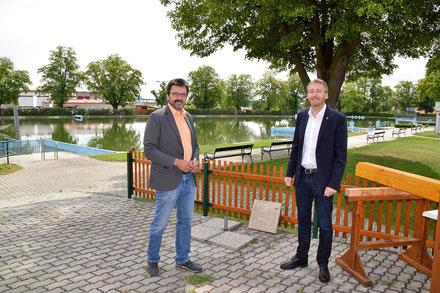 Durch die unschlagbare Größe des Horner Freibades sind sichere und erholsame Sonnenstunden ab 29. Mai wieder möglich. Davon sind auch Vizebürgermeister Gerhard Lentschig und Bürgermeister LAbg. Jürgen Maier überzeugt.