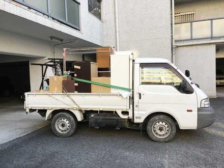 廃品回収の軽トラック