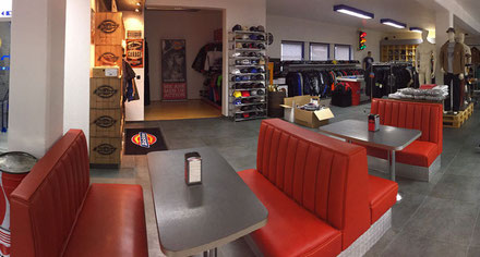 US Car World Nicolai Reiss Showroom