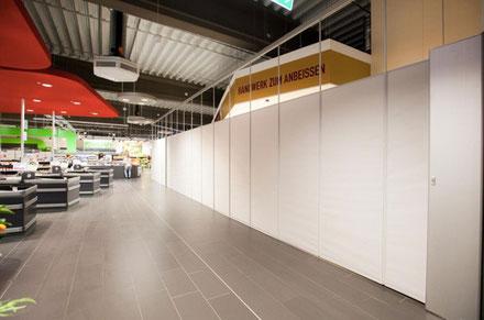blickdichte textile Shoptrennwand - günstige Trennshop Shopabtrennung für den Sonntagsverkauf Trentex
