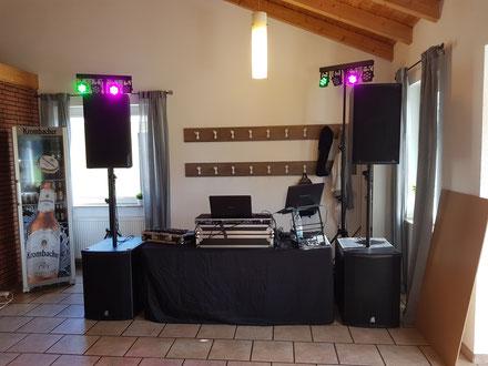 verschiedene Technik, schönes Ambiente, DJ in Göttingen