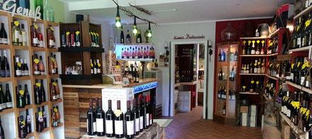 Ahrwein können Sie im Ahrweindepot am Ahrweiler Marktplatz oder im Internet zu original Weingutpreisen kaufen.