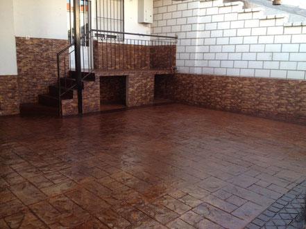 impreso vertical en Madrid,soleras,hormigón impreso,fachadas,hormigón,fratasado,hormigón estampado, pulido, semipulido, rayado, hormigón impreso barato, precio, pavimento de hormigón impreso, hormigón pulido , pavimento de hormigón impreso, cemento pulid
