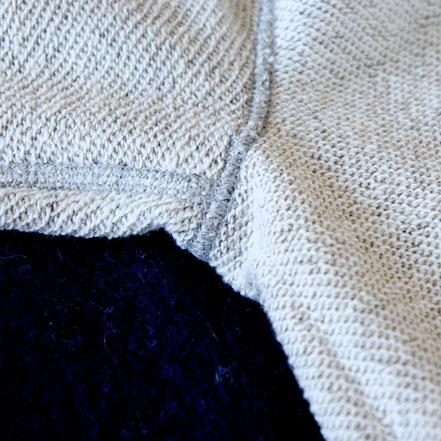 素肌で着ると縫い目がわからないほどの、少ない縫い代。