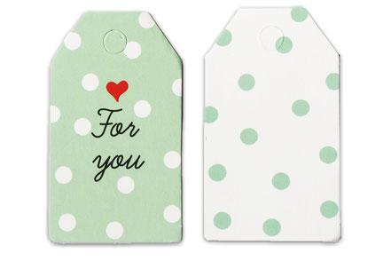 """Geschenkanhänger in zartem grün mit rotem Herz und Aufdruck """"for you"""""""