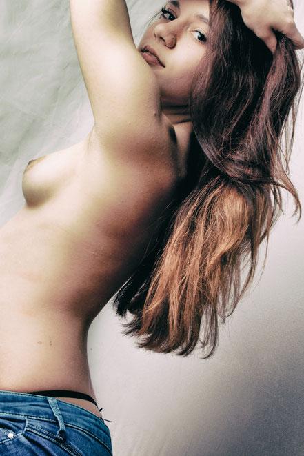 Akt Porn PornArt Aktfotografie Beauty Nude Nudeart Dessous Studiophotography Photostudio CaughtMoments Fotoshooting Photoshooting Naked  Rastatt Bühl Baden-Baden Achern Rheinmünster