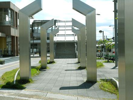 (1)近鉄、JRの2駅西出口