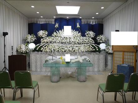 落合斎場の生花祭壇