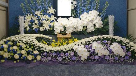 胡蝶蘭生花祭壇
