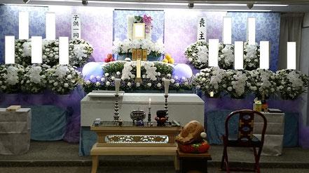 朝霞市市民葬の生花祭壇