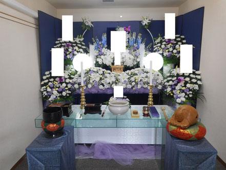 サービス館の生花祭壇