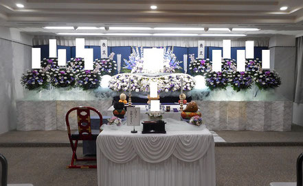 和光市民葬の生花祭壇