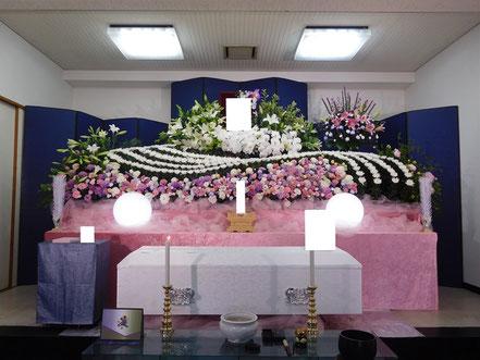 満願寺での生花祭壇