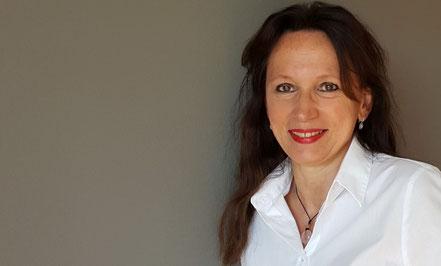 Dagmar Heib, Gesundheitsredakteurin und Online Marketing Managerin, im Profil als Auftakt-Foto für die Dienstleistung Einzelberatung - telefonisch, persönlich oder via Zoom.
