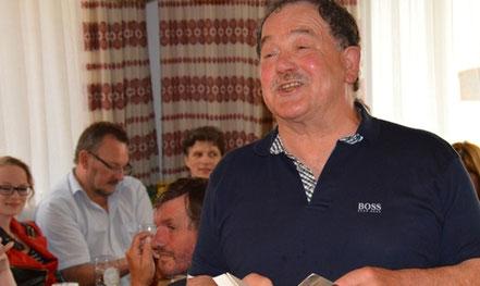 """Heribert Blab stellte sein neues Werk """"d'Mühlwaiz"""" im Gasthaus Sturm vor. Foto: Sturm"""