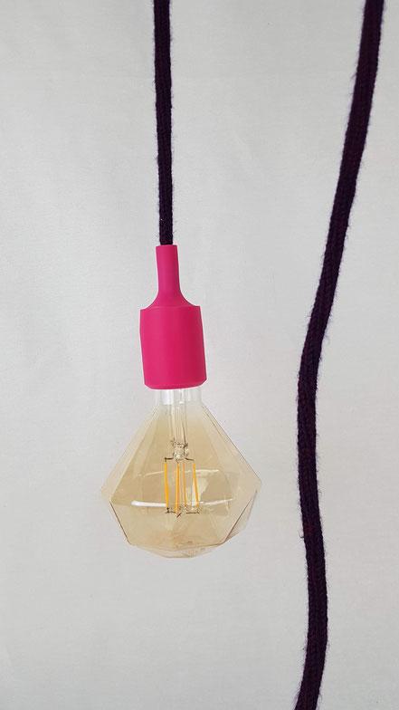 baladeuse tricotin aubergine et cache douille silicone fuchsia éclairage luminaire nomade