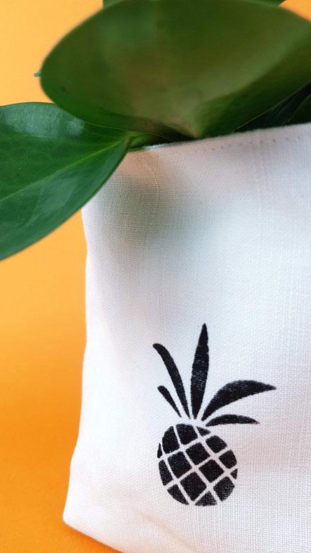 panière en tissu recyclé, draps ancien, pochoir ananas, cousu main, vlslc, val lao sur la colline, vallaosurlacolline