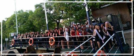 embarque fiesta del barco en Sevilla