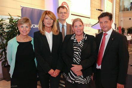 Women Leadership Forum 2014_Sally Helgesen, US Leadership Consultant, Speaker and Bestseller Author, Gabriela Schnabel, Editor, Format, Dr. Harald Katzmair, CEO and Founder, FAS Research, Dr. Andrea Kdolsky, Director Health Care Services, PwC Austria, DI