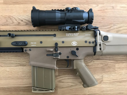 Steiner Battle Sight mit American Defence Montage auf FN SCAR