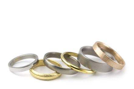 Alianzas clásicas de calidad en oro, oro rosa, oro verde, titanio, platino, paladio, plata... En brillo o mate