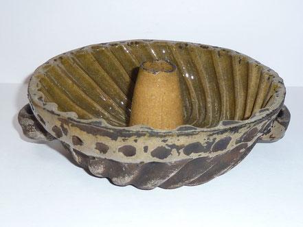 alte Hafnerware Kohrener Keramik Kuchenform Backform