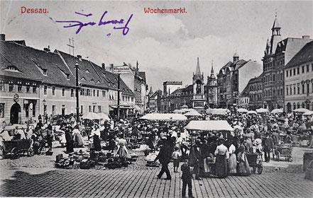 AK Dessau Wochenmarkt