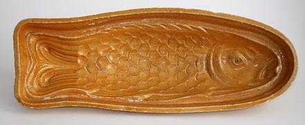 alte Kohrener Keramik  Fischform