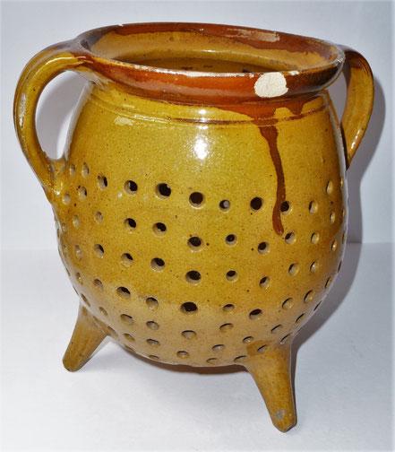 alte Kohrener Keramik Kohren-Sahlis Siebtopf