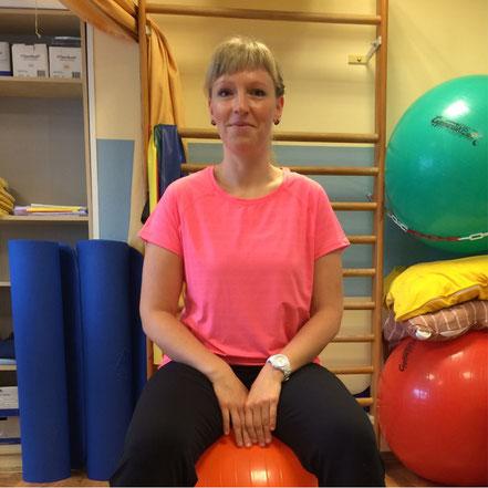 Team: Frau Sternke ist die leitende Physio- und Bobath-Therapeutin im Therapiezentrum Bramfeld. Zu Ihren Aufgaben zählt auch die manuelle Lymphdrainage.